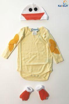 Adorable duck costume DIY! https://www.shopkidzstuff.com/easy-diy-duck-costume-for-babies/