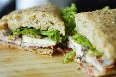 receita do pão de parmesão e orégano da subwayhttp://naminhapanela.com/2010/10/06/pao-de-parmesao-e-oregano/