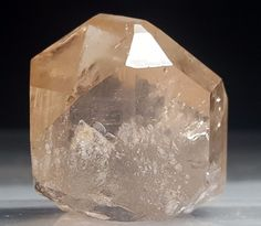 100% NATURAL 92 GRAMS WELL TERMINATED CRYSTAL OF TOPAZ  FROM SKARDU ~@PAKISTAN@~
