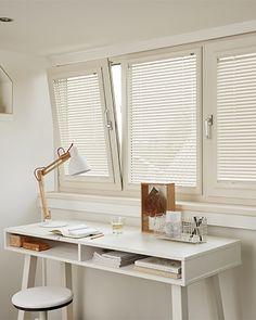 Lees alles over raamdecoratie voor draaikiepramen. Zelfs zonder te boren is er voor jouw draaikiepraam de perfecte raamdecoratie. Lees onze blog hierover!