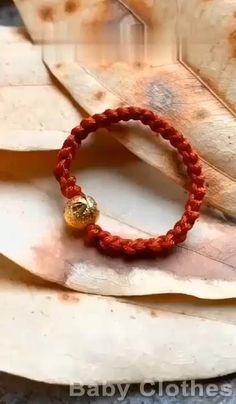 Diy Friendship Bracelets Patterns, Diy Bracelets Easy, Handmade Bracelets, Jewelry Knots, Beaded Jewelry, Beaded Bracelets, Diy Crafts Jewelry, Bracelet Crafts, Baby Bracelet