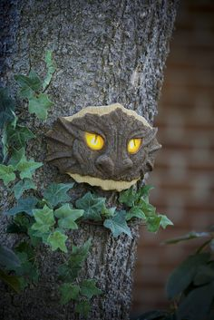 Amazon.com : Wind & Weather Glowing Dragon Eyes Tree Face : Patio, Lawn & Garden