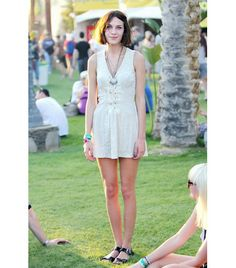 @Who What Wear - Alexa Chung-2011                 Leave it to the Coachella regular and It-Brit to make crushed velvet work on a scorching spring afternoon. Chung opted for a vintage dress and necklaces paired with patent leather Kurt Geiger sandals.