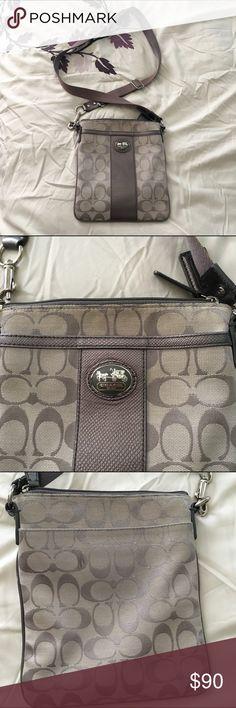 6d2cb8d02e2d 💜SALE💜 Coach gray cross body purse It is in used condition. It has