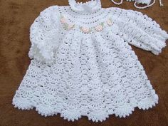 Mary Helen artesanatos croche e trico: Conj. e vestidos bebe