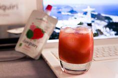 Cocktail Me version Brésil :  - 6 cl de Cocktail Me daiquiri fraise  - 2 cl de jus de mangue  - 4 cl de cachaça (ou pas !)  sans oublier quelques glaçons !