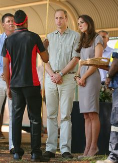 Kate Middleton - The Royal Couple Visits Ayers Rock — Part 5
