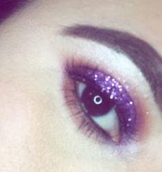 #glitter#glittermakeup#luxury#wakeupandmakeup#carnaval#carnavales#lipstick#purplelips#clinique#makeupartist#makeupart#makeuplife#creativemakeup#bbdaretoshare#beautyblogger#hypnaughtymakeup#allmodernmakeup#amazingmakeupart
