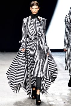 Spring 2012 Ready-to-WearGareth Pugh - Runway  | Keep the Glamour | BeStayBeautiful