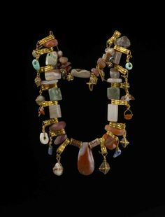 Assyrian Jewelry Chain (Grave Goods), from Ashur, Middle Assyrian Period, c. 14th-13th Century BC. | Currently located in the Vorderasiatisches Museum, Berlin.