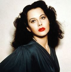 Hedy Lamarr: The Hollywood Beauty with Brilliant Mind Viejo Hollywood, Hollywood Icons, Old Hollywood Glamour, Hollywood Actor, Golden Age Of Hollywood, Hollywood Stars, Classic Hollywood, Hollywood Divas, Jean Harlow