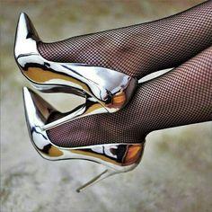 Sexy High Heels, High Heels Boots, Frauen In High Heels, Extreme High Heels, Sexy Legs And Heels, Hot Heels, High Heels Stilettos, Womens High Heels, Stiletto Heels