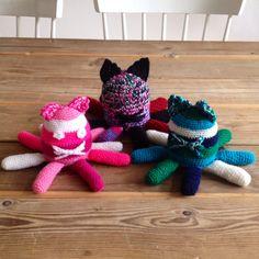 Rammelende OctoPussies #DIY #haken #babyspeeltje #speelgoed