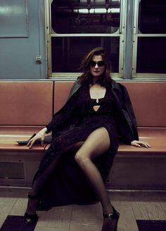 Rachel Weisz by Ben Hassett for Violet Grey, December 2015 Rachel Weisz, Fashion Shoot, Editorial Fashion, Girl Fashion, Fotografie Hacks, Look Festival, Photo Portrait, Mode Editorials, Glamour