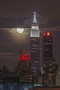 ~~2013 Supermoon Eclipse from NYC by Strykapose~~