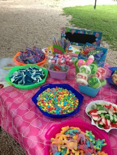 ~Bubble Guppies/ Under the Sea Candy Buffet