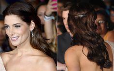 """Cabelo estilo princesa - Versão clássica: Ashley Greene, usou uma presilha prateada para prender duas mechas pequenas da franja, formando um cabelo estilo princesa para a première de """"Amanhecer - Parte 2"""" em LA!"""