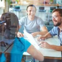 Wie man erfolgreicher Influencer und Netzwerker wird (und bleibt), Blasse Business-Mode uvm.