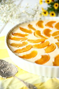 Mehevä persikka-rahkapiirakka - Suklaapossu Grapefruit, Food, Essen, Meals, Yemek, Eten