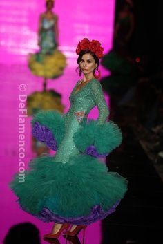 Fotografías Moda Flamenca - Simof 2014 - Cristina Garcia 'Il Bacio' Simof 2014 - Foto 16 Spanish Dancer, Flamenco Dancers, Ballet Dance, Aurora Sleeping Beauty, Burlesque, Costumes, Disney Princess, Disney Characters, Petticoats