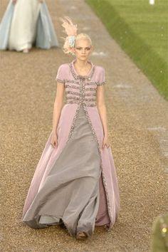 Chanel Fall 2007 Couture Fashion Show - Emma Karlsson