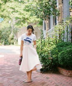 t-shirt and midi skirt // shoemint flats // Classique