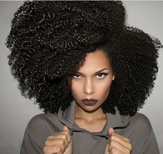 Suggestions for excellent looking hair. An individual's hair is certainly just what can define you as an individual. To a lot of individuals it is undoubtedly vital to have a decent hair style. Love Hair, Great Hair, Gorgeous Hair, Natural Hair Tips, Natural Hair Journey, Natural Hair Styles, Kinky Curly Hair, Curly Hair Styles, Curly Girl