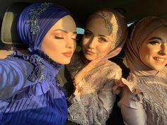 Image may contain: one or more people and closeup Hijab Bride, Wedding Hijab, Wedding Dresses, Muslim Fashion, Modest Fashion, Hijab Fashion, Turban Hijab, Hijab Dress, Muslim Girls