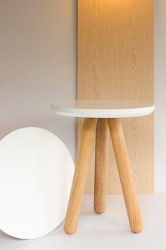 Nuestra mesa auxiliar! Ideal para utilizarla en el living.