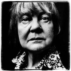 Iris Murdoch (1919, Dublín, Irlanda-1999, Oxfordshire, Reino Unido)