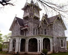 Abandoned mansion in Malvern, PA.\\\ There are a lot of awesome pictures on this site. Abandoned Property, Old Abandoned Houses, Abandoned Castles, Abandoned Mansions, Abandoned Buildings, Abandoned Places, Old Houses, Vintage Houses, Haunted Houses