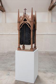 Rose Holzer / La chapelle noire [2010] / bois, perles, boutons, rubans / 49 x 48 x 120 cm Chapelle, St Joseph, Artist, Home Decor, Ribbons, Buttons, Beads, Atelier, Woodwind Instrument