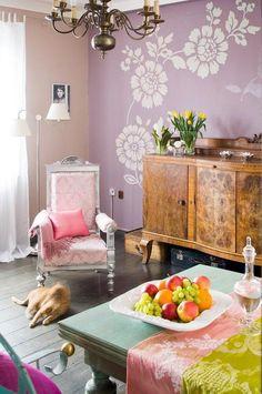Malowanie ścian. 16 pomysłów na kolory ścian w salonie [ZDJĘCIA]