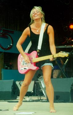 Deana Carter has such an impact in my life in every which way, music heals I strongly believe that, and this woman has been in my life since my mom was humming to me in her arms I'm sure! ❤