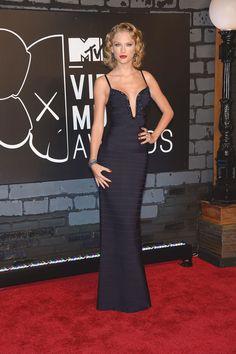 Taylor Swift in Hervé Léger, MTV VMA 2013
