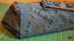 Tasche aus alter Jeans / Pouch made from old pair of jeans / Upcycling