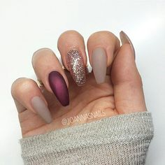 Matte nude red & gold coffin nails