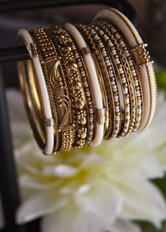 cream and gold Bangles Indian Accessories, Jewelry Accessories, Bangle Set, Bangle Bracelets, Mehndi Designs, Thread Bangles, Gold Bangles, Modern Jewelry, Indian Jewelry