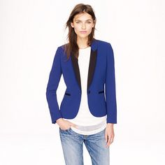 Do you have a boss, co-worker, or BFF whose style you admire and wonder how she does it? A surefire way to becoming an instant corporate fashionista is to understand how to dress your body type. Shawl Collar Tuxedo, Tuxedo Jacket, Vogue Fashion, Daily Fashion, Dressing Your Body Type, Dyt Type 4 Clothes, J Crew Men, Couture, Outerwear Women