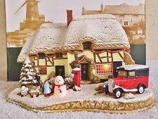 Lilliput Lane .. DECORATING THE HOUSE .. illuminated Christmas Special Edition