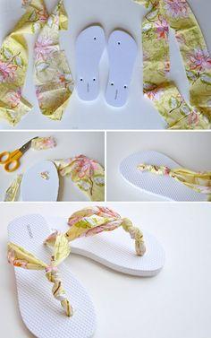 Chanclas recicladas con tiras de tela estampada