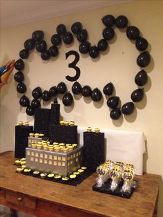 Batman Birthday Party - Batman Party - Ideas of Batman Party - Batman Birthday Party Fiesta Batman Lego, Lego Batman Birthday, Lego Batman Party, Superhero Birthday Party, 6th Birthday Parties, Boy Birthday, Birthday Ideas, Batman Party Supplies, Physical Education