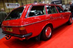 Mercedes Benz W123 200T, 1982. On the Mercedes-Benz Club stand at the NEC Classic Motor show, honestly looked like a brand new car