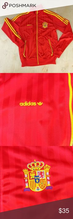 Men Adidas jacket Yes, we are from Spain, can you tell?  Perfect condition, my son outgrow that season when he is dress like a sports player.  Take a look at the zipper pic, it has a tiny scratch not visible for outsiders.  Medium size Jackets & Coats Lightweight & Shirt Jackets