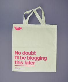 blogging. canvas bag.