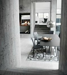 BoConcept Milano Dining Table