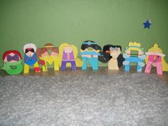 Disney Princess Character Letter Art by GunnersNook on Etsy CUTEST THING EVER!! Personalizes with your name and favorite princesses!
