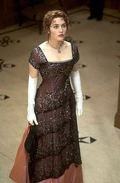 This dress kills me. It's stunning. If it were 1912, I'd be wearing this.