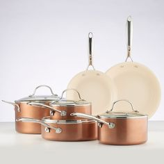 The function of an excellent cook ware in the preparation of a sumptuous meal can not be over stressed. When one think about buying a good pots and pans the very first point that pertains to the mind is the spending plan. Cast Iron Cookware, Cookware Set, Copper Kitchen Decor, Plastic Ware, Glass Cooktop, Hacks, Ceramic Coating, Vegan, Tips