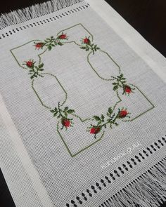 Cross Stitch Rose, Cross Stitch Flowers, Crewel Embroidery, Cross Stitch Embroidery, Cross Stitch Designs, Projects To Try, Crochet, Crafts, Instagram